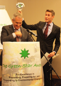Les Green Star Awards sont à l'initiative conjointe du Bureau des Nations Unies pour la Coordination des Affaires Humanitaires (BCAH), de Green Cross International (GCI) et du Programme des Nations Unies pour l'Environnement (PNUE)