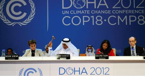 La présidence qatarienne lors de la fin de la COP18, le 8 décembre 2012. © Courtesy of IISD/Earth Negotiations Bulletin